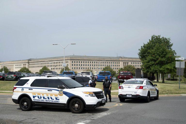 펜타곤 인근 총격사건으로 폐쇄, 경찰1명 과 폭행범 사망
